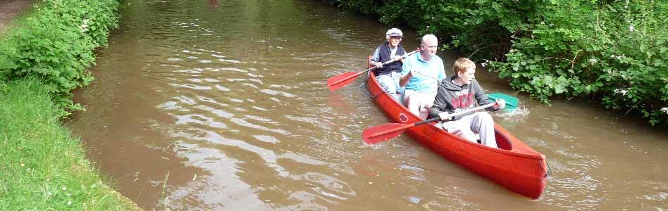 Monmouthsire-&-Brecon-canal,-near-Llangattock